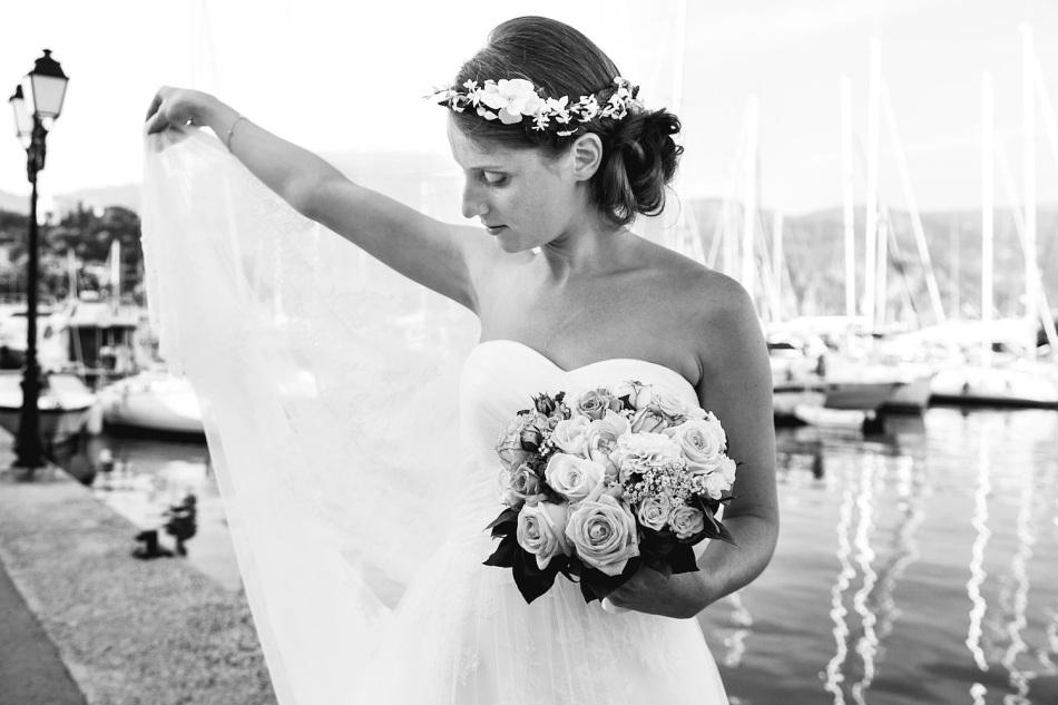 Bride & veil