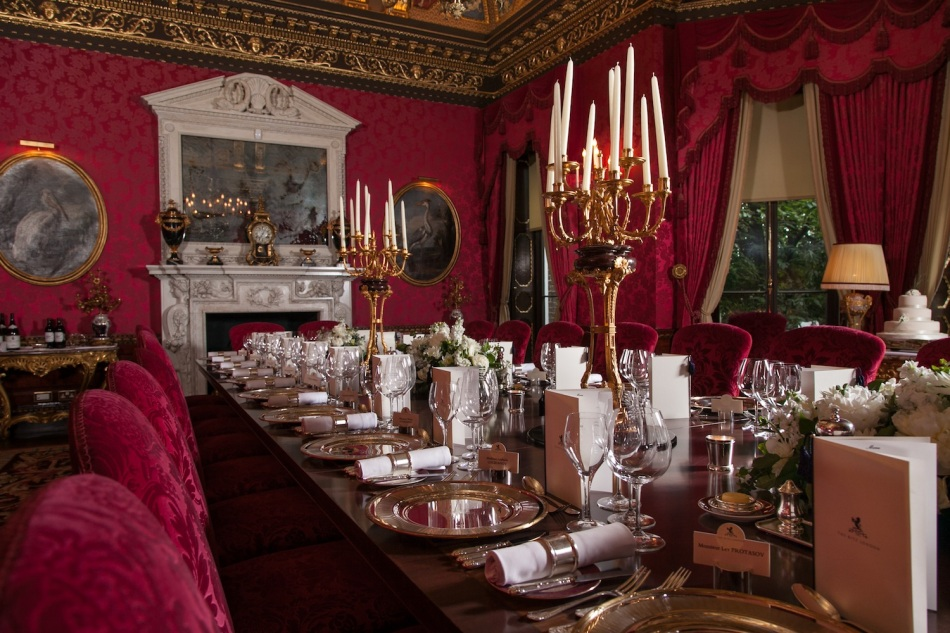 London Ritz - Red dining room
